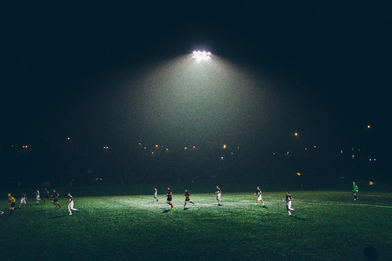 kompleksowa obsługa świetlna stadionów